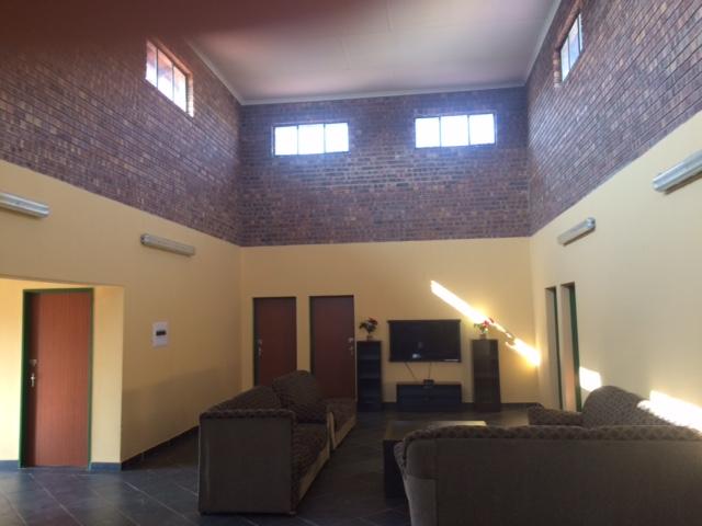 Wohnhaus für Mitarbeiter, innen 1