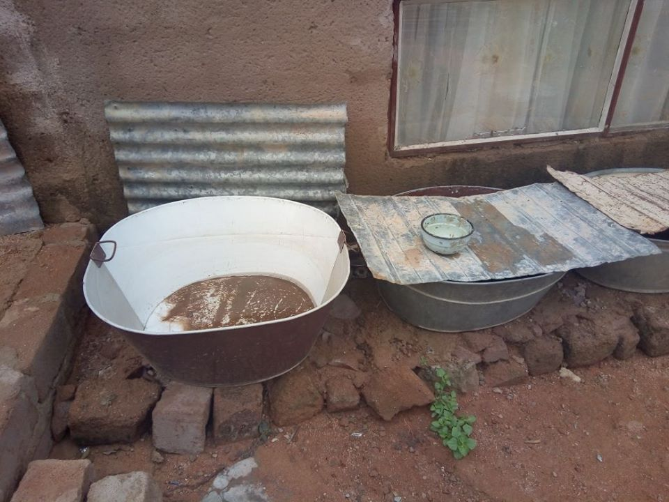 bohrungen f r trinkwasser erleichtern das leben im l ndlichen s dafrika. Black Bedroom Furniture Sets. Home Design Ideas